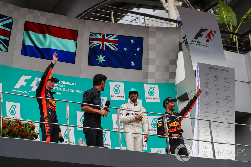 Race winner Max Verstappen, Red Bull Racing celebrates on the podium, Mark Webber, Lewis Hamilton, Mercedes AMG F1 and Daniel Ricciardo, Red Bull Racing