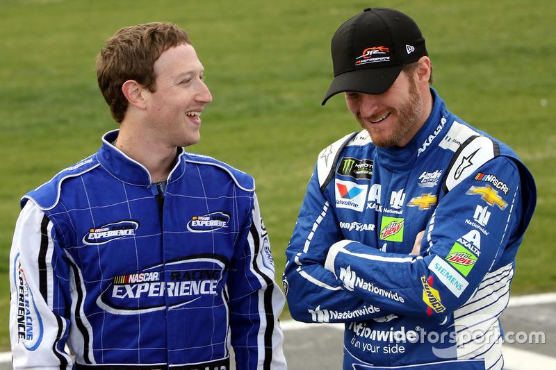 Mark Zuckerberg CEO de Facebook y Dale Earnhardt Jr.