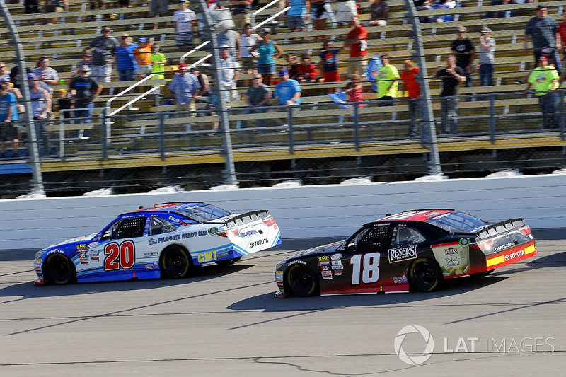 Ryan Preece, Joe Gibbs Racing Toyota y Kyle Benjamin, Joe Gibbs Racing Toyota
