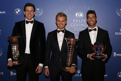 Toto Wolff, Mercedes-Sportchef, mit Formel-1-Weltmeister Nico Rosberg, Mercedes AMG F1; Daniel Ricci