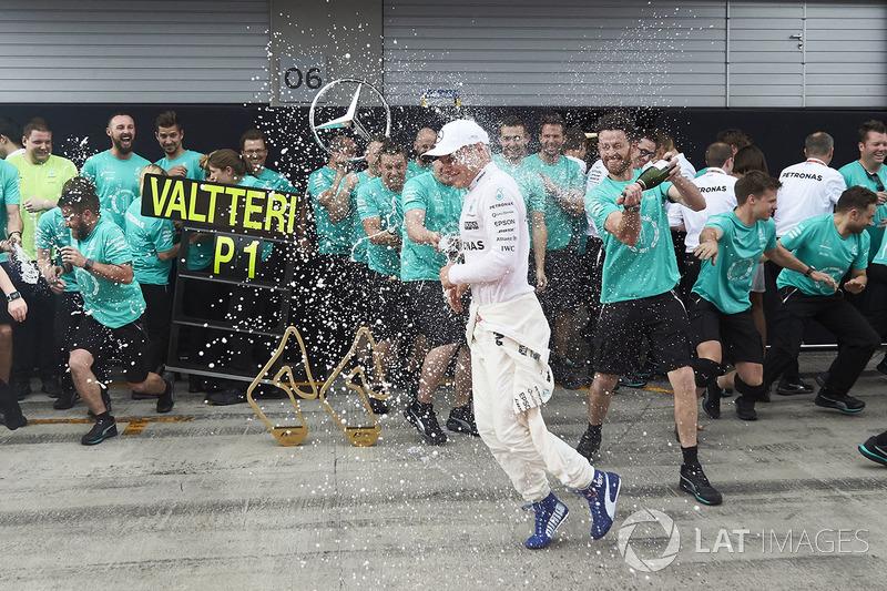 1. Valtteri Bottas, Mercedes AMG F1; 4. Lewis Hamilton, Mercedes AMG F1