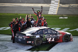 1. Kurt Busch, Stewart-Haas Racing, Ford