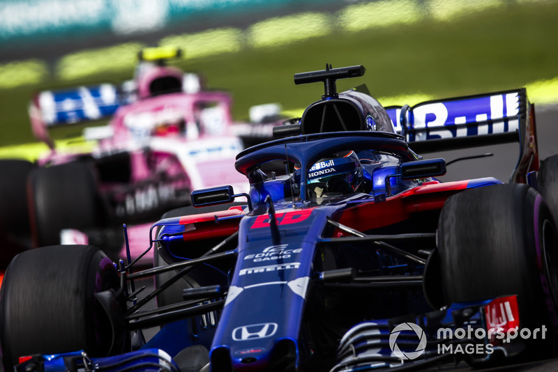 Brendon Hartley, Toro Rosso STR13, Esteban Ocon, Racing Point Force India VJM11