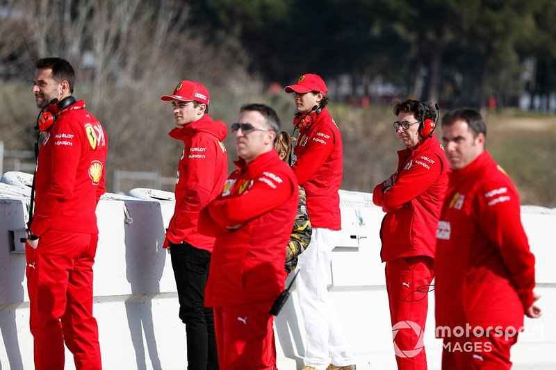 Mattia Binotto, Ferrari Team Principal, Charles Leclerc, Ferrari, John Elkann, FIAT Chairman and team members trackside