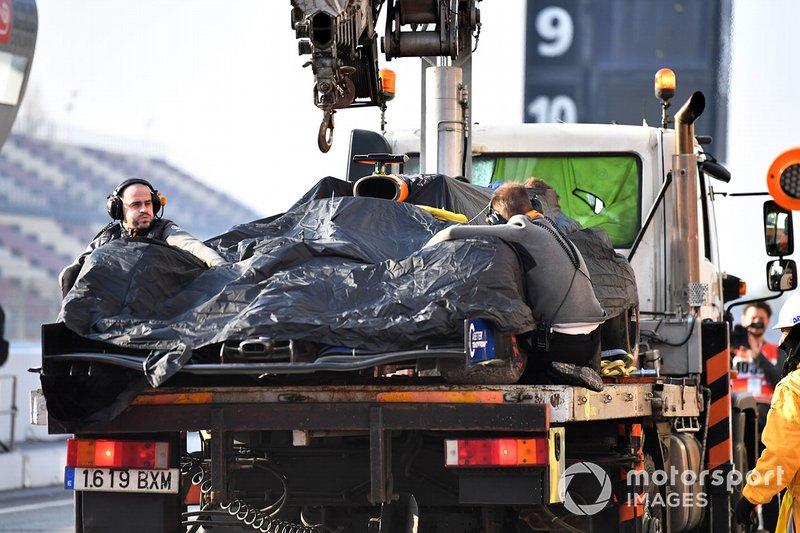 La monoposto di Lando Norris, McLaren MCL34, viene riportata ai box