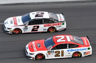 Brad Keselowski, Team Penske, Ford Mustang Discount Tire, Paul Menard, Wood Brothers Racing, Ford Mustang Motorcraft / Quick Lane Tire & Auto Center