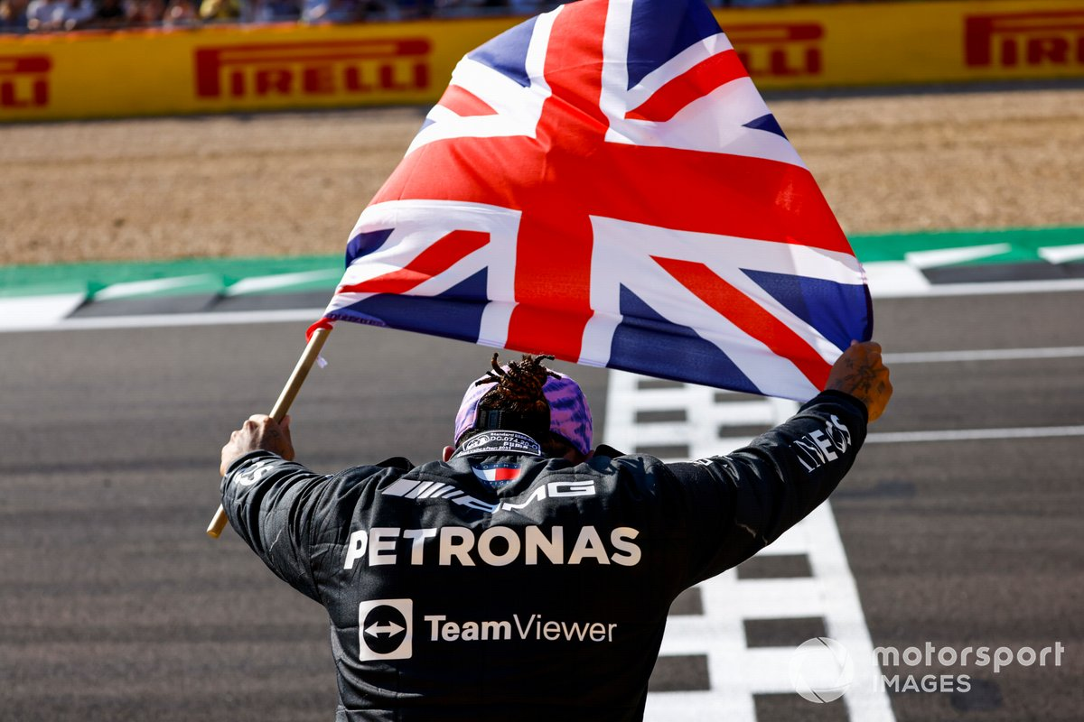Lewis Hamilton celebrates victory in the 2021 British GP