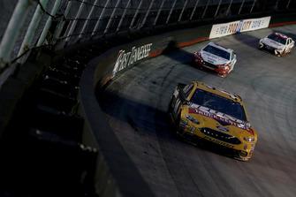 Clint Bowyer, Stewart-Haas Racing, Ford Fusion Rush Truck Centers/Cummins