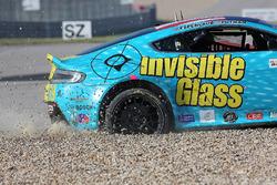#09 Automatic Racing Aston Martin Vantage GT4: Charles Putman, Charles Espenlaub, en problemas