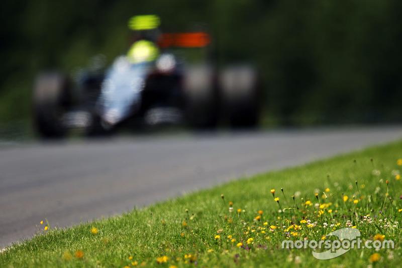Force India: 0 очков