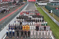Foto de grupo con todos los pilotos