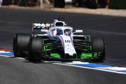 Lance Stroll, Williams FW41, con la vernice aerodinamica sull'ala anteriore