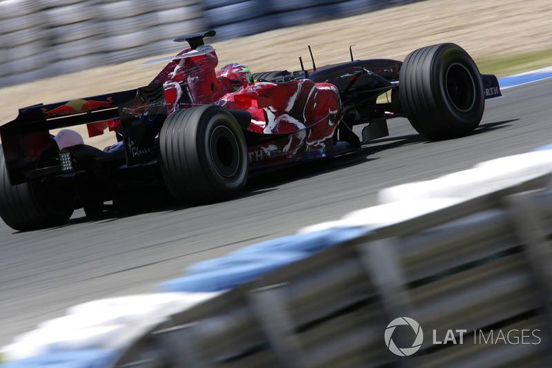 9. Vitantonio Liuzzi, 80 GPs (2005-2007, 2009-2011), o melhor resultado é o 6° lugar na Coreia 2010.