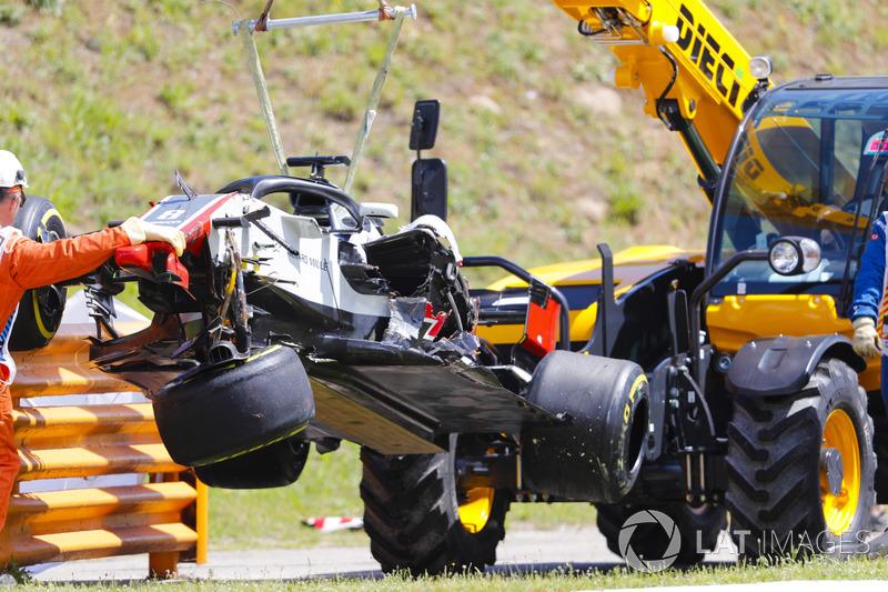 Mobil Romain Grosjean, Haas F1 Team VF-18 setelah kecelakaan