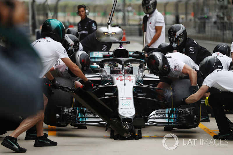 Lewis Hamilton, Mercedes AMG F1 W09, makes a pit stop in FP2