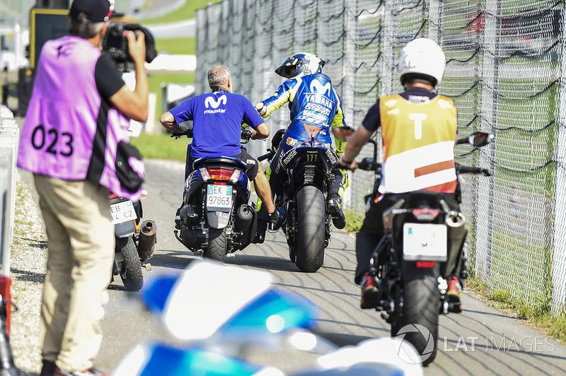 Valentino Rossi, Yamaha Factory Racing, broken down