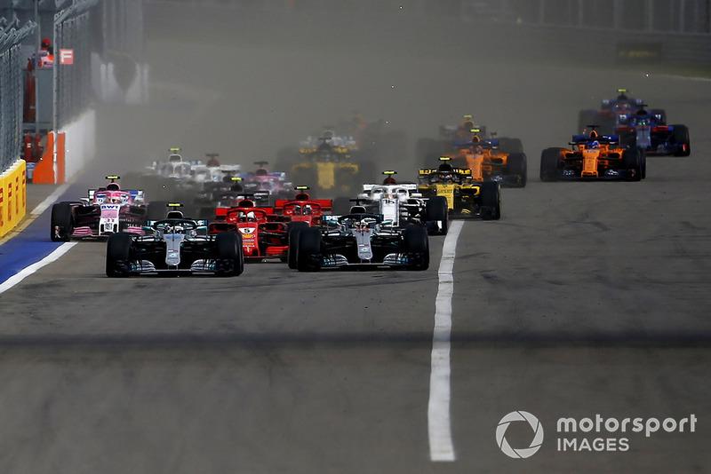 Валттері Боттас, Mercedes AMG F1 W09, лідирує