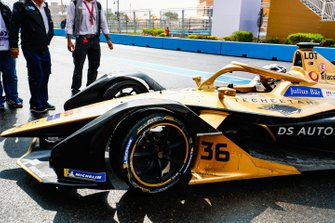 Andre Lotterer, DS TECHEETAH, DS E-Tense FE19 in the pit lane
