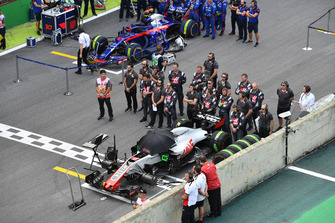 Haas F1 Team during the National Anthem on the grid
