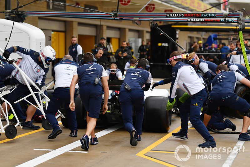 Aksi latihan pit stop Williams Racing