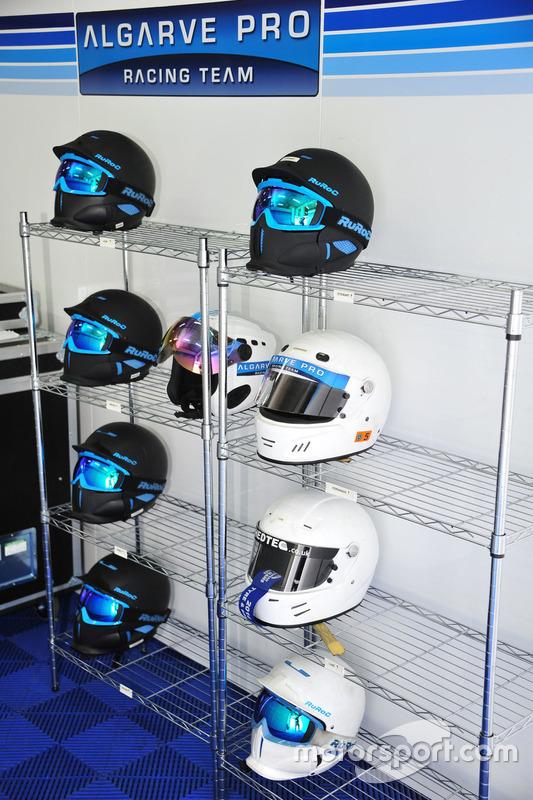 Algarve Pro Racing Team, Helm