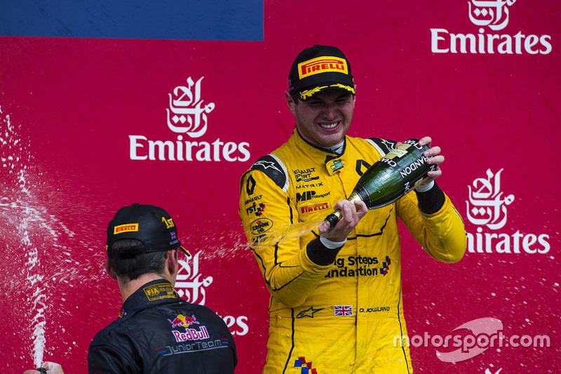 المنصة: المركز الثالث أوليفر رولاند، ام.بي موتورسبورت