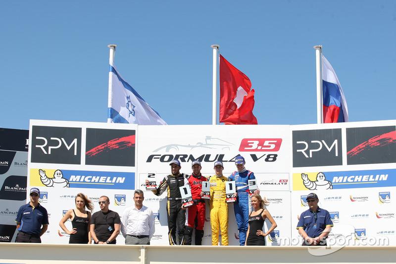 Podyum: 1. Louis Deletraz, Fortec Motorsports, 2. Roy Nissany, Lotus, 3. Egor Orudzhev, Arden Motors