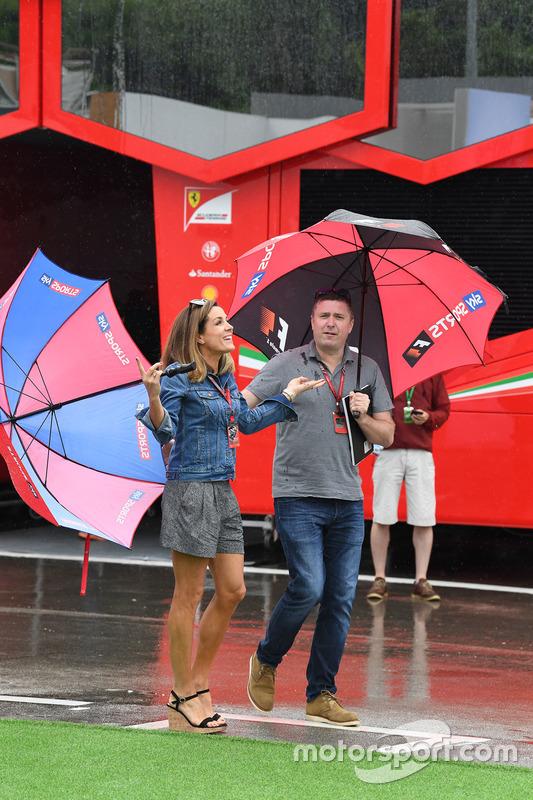 Комментаторы телеканала Sky Sports Дэвид Крофт и Натали Пинкхэм