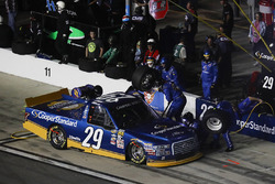 Chase Briscoe, Brad Keselowski Racing Ford, pit stop
