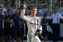 Nico Rosberg, Mercedes AMG F1, con el premio DHL a la vuelta más rápida