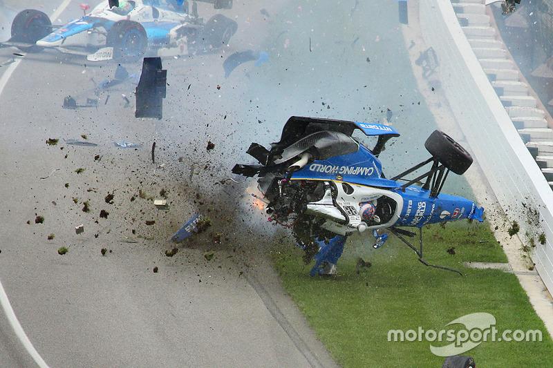 Авария: Скот Диксон, Chip Ganassi Racing Honda