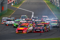Fabian Coulthard, Team Penske Ford, Jamie Whincup, Triple Eight Race Engineering Holden