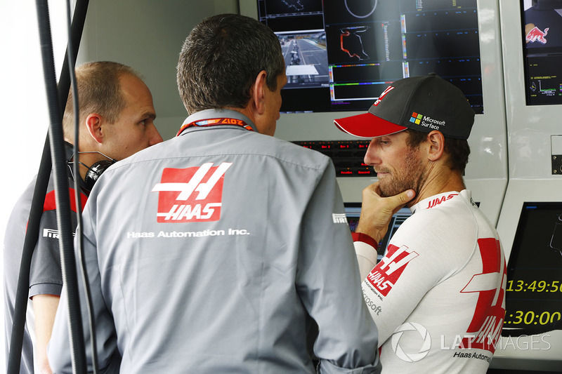 Guenther Steiner, director Haas F1 Team, Romain Grosjean, Haas F1 Team