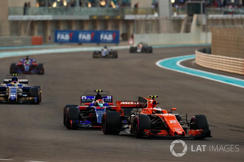 Стоффель Вандорн McLaren MCL32, П'єр Гаслі, Scuderia Toro Rosso STR12