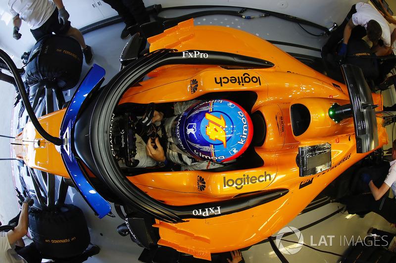 Fernando Alonso, McLaren, in the garage