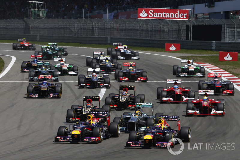 Start: Sebastian Vettel, Mark Webber, Red Bull lead