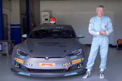 Tiff Needell ve Electric GT Tesla P100D