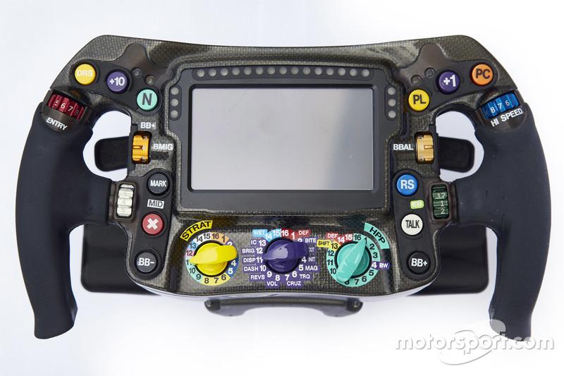 Le volant de la Mercedes AMG F1 W09