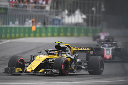 Carlos Sainz Jr., Renault Sport F1 Team R.S. 18 ve tozlu frenler