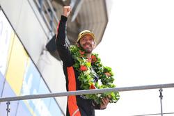 LMP2 podyum: Yarış galibi Jean-Eric Vergne, G-Drive Racing