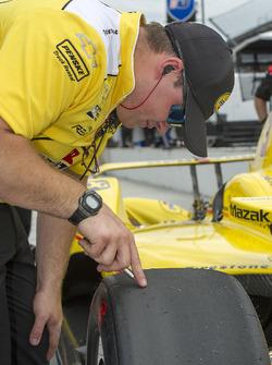 Helio Castroneves crewman, Team Penske Chevrolet
