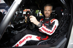 #18 Tiago Monteiro, Boutsen Ginion Racing Honda Civic Type R TCR