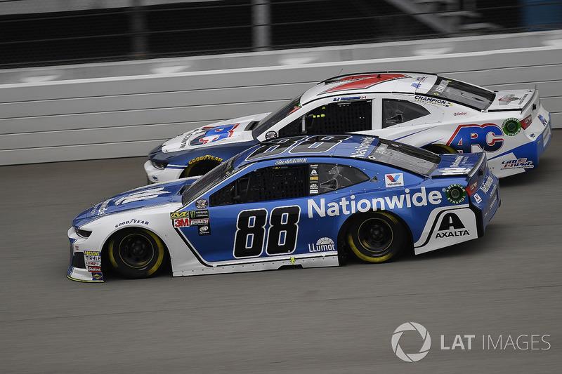 Alex Bowman, Hendrick Motorsports, Chevrolet Camaro Nationwide e D.J. Kennington, Premium Motorsports, Chevrolet