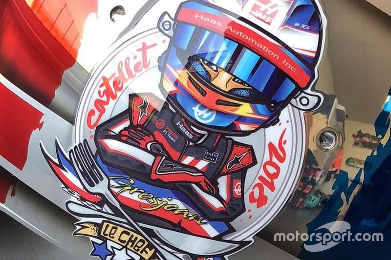 Romain Grosjean sisakja a Francia Nagydíjon