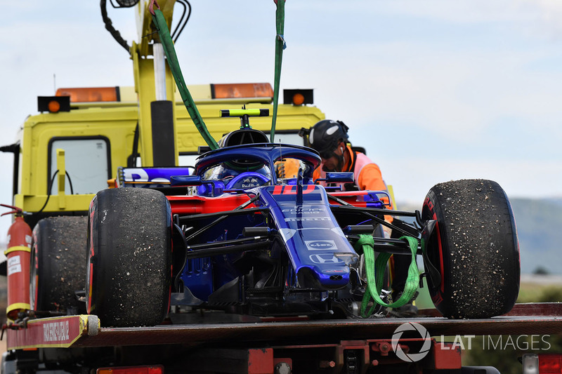 После схода: автомобиль STR13 Пьера Гасли, Scuderia Toro Rosso