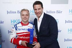 The Julius Bar Pole Position award is presented to Felix Rosenqvist, Mahindra Racing