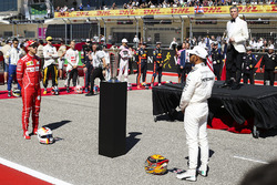 Michael Buffer introduces Lewis Hamilton, Mercedes AMG F1, Sebastian Vettel, Ferrari