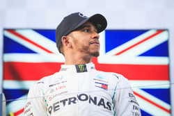Podio: segundo lugar Lewis Hamilton, Mercedes-AMG F1