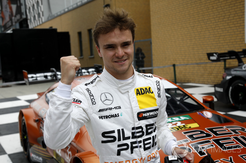 Pole position for Lucas Auer, Mercedes-AMG Team HWA