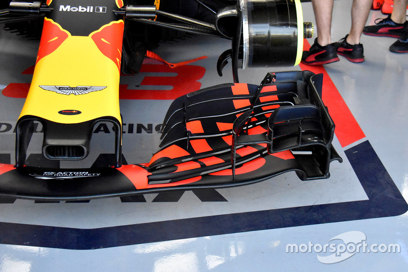 Max Verstappen, Red Bull Racing RB14 front wing